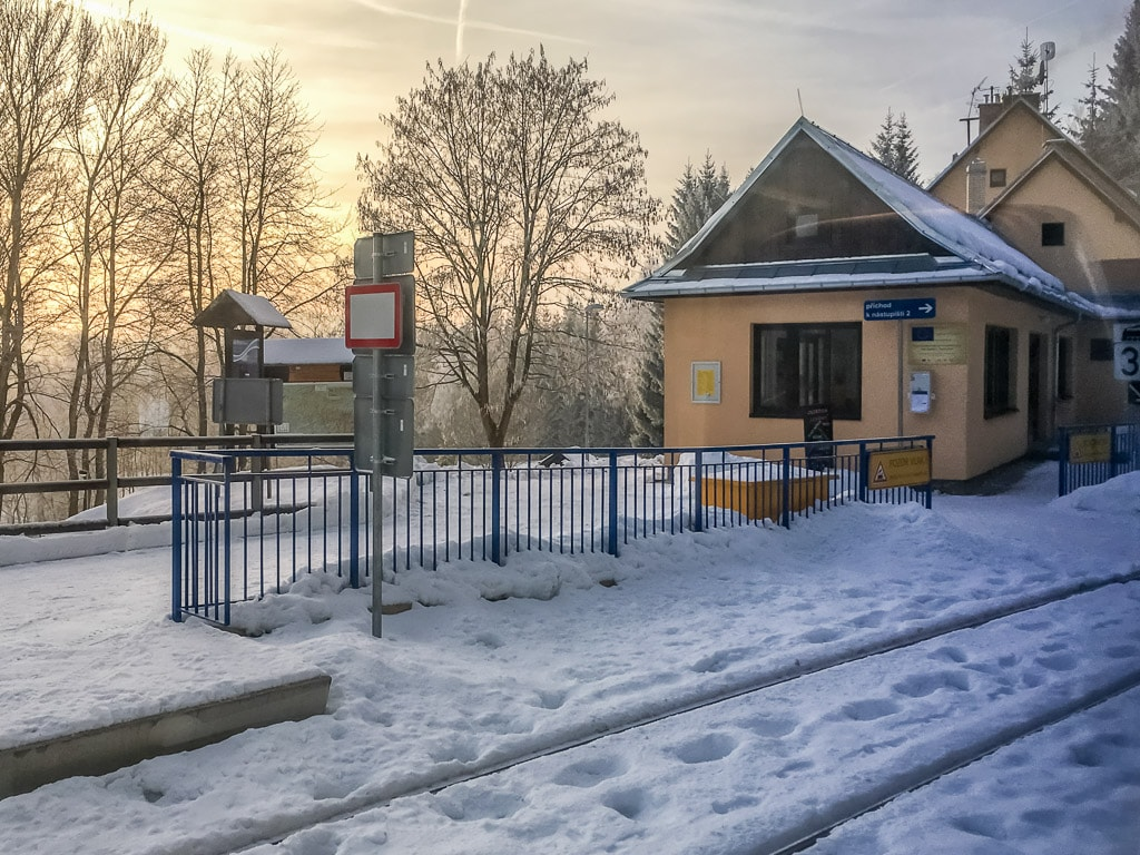 Bahnhof Harrachov Zackenbahn Winter