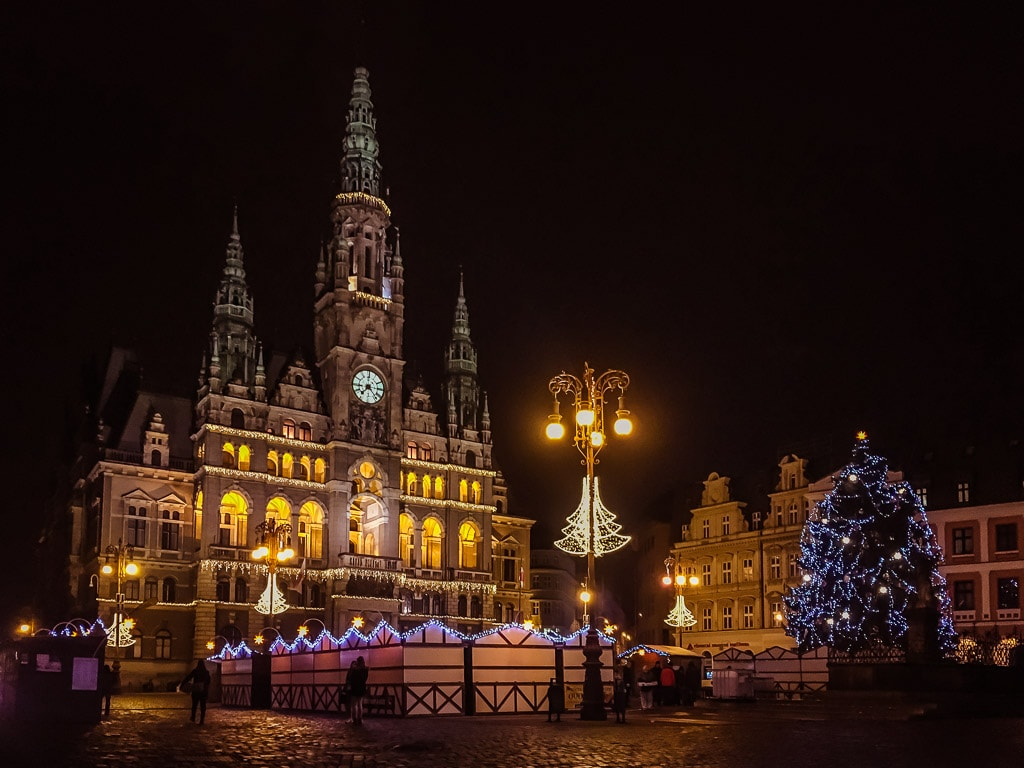 Rathaus Liberec Weihnachten Nacht