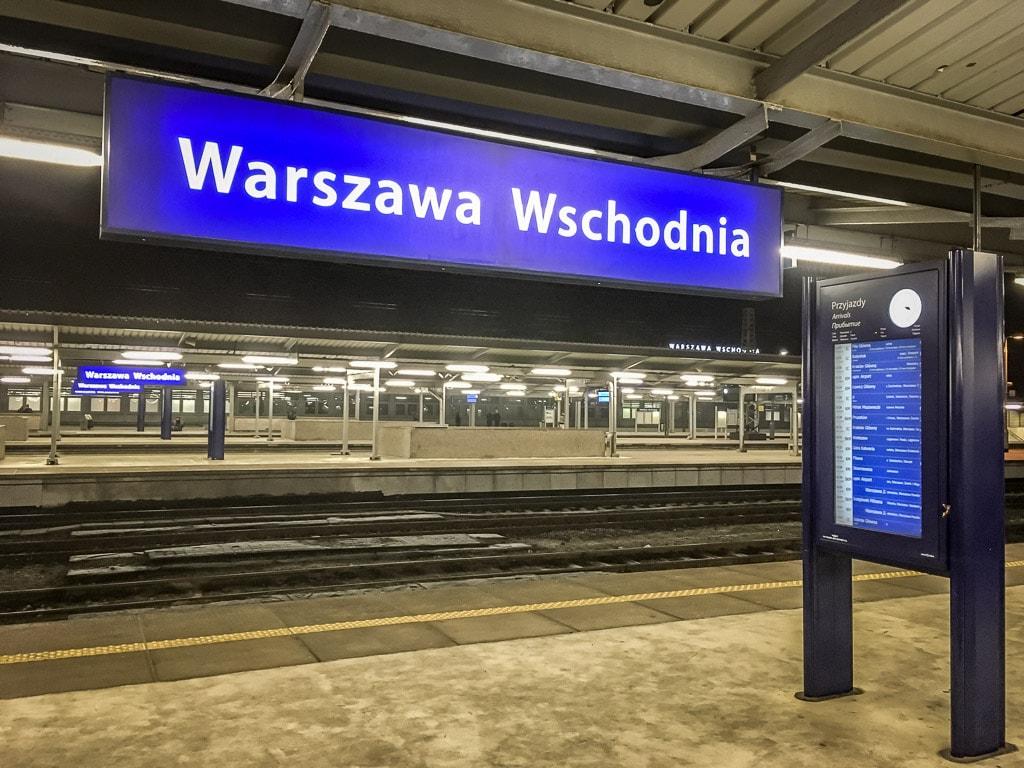 Bahnhof Warszawa Wschodnia Nacht