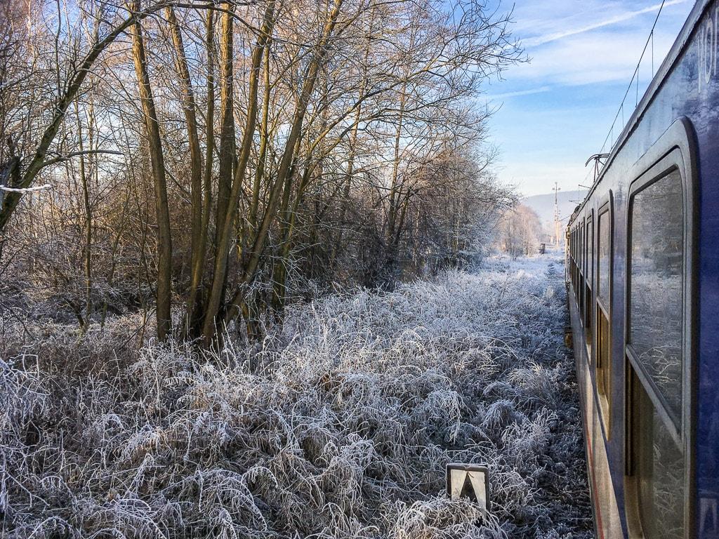 Zackenbahn Winter Nachtzug Fenster