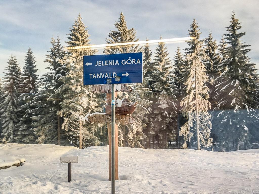 Winter Zackenbahn Schild Tanvald