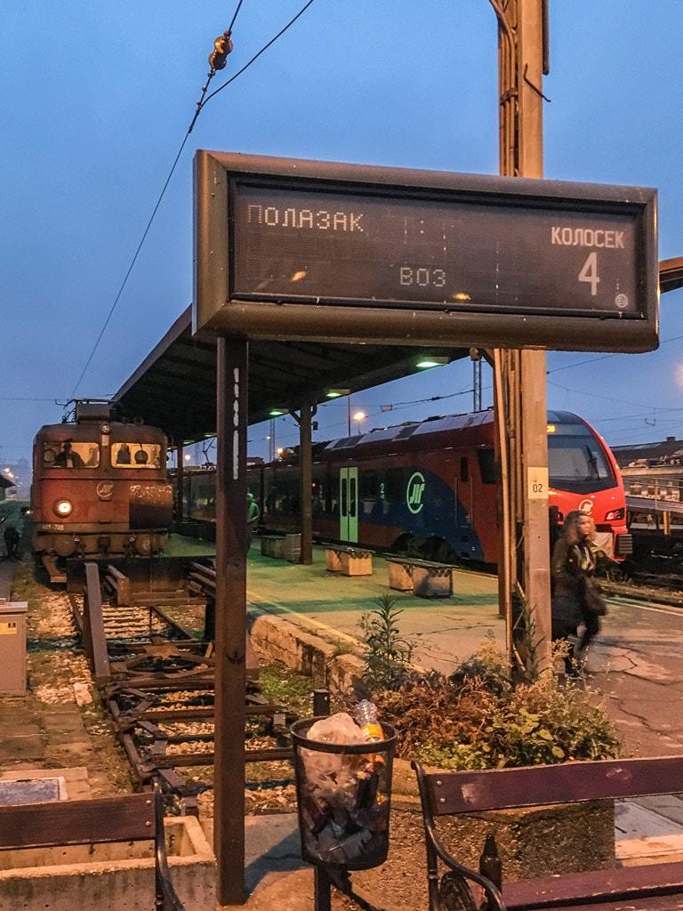 Bahnsteig am Hauptbahnhof von Belgrad