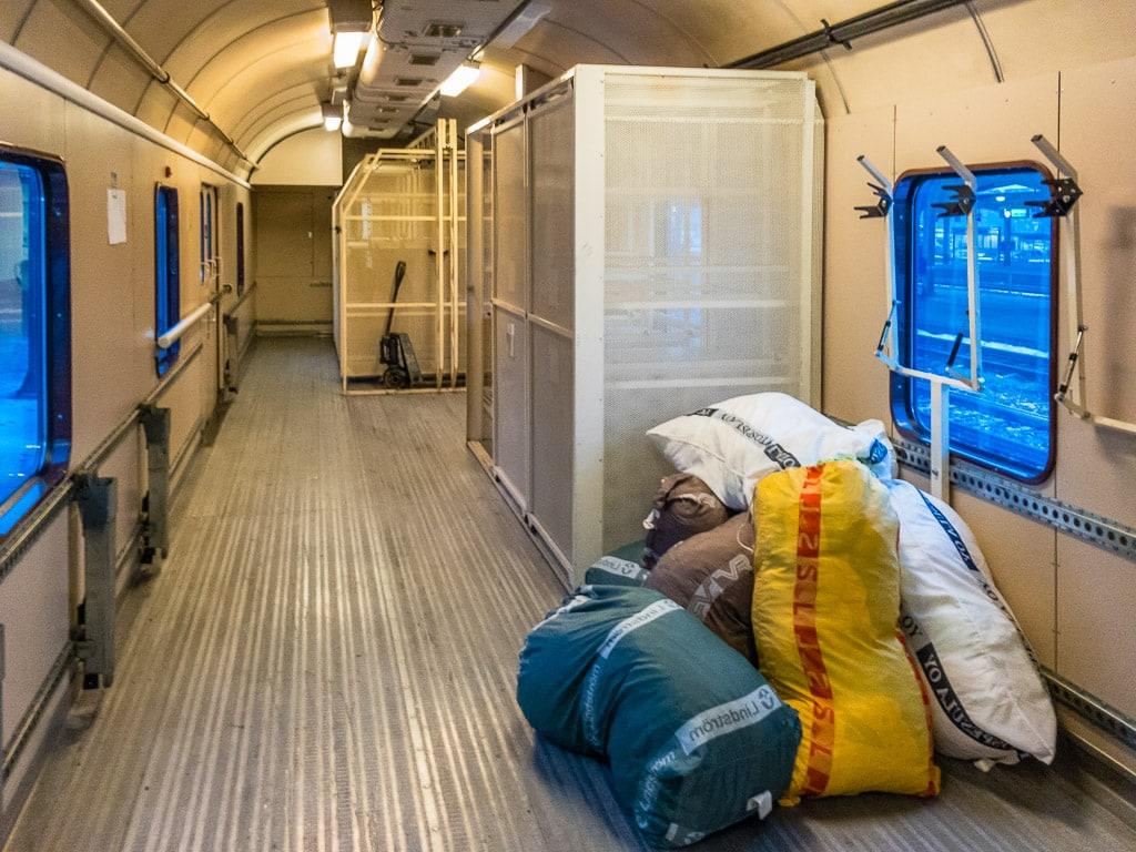 Gepäckwagen im finnischen Nachtzug