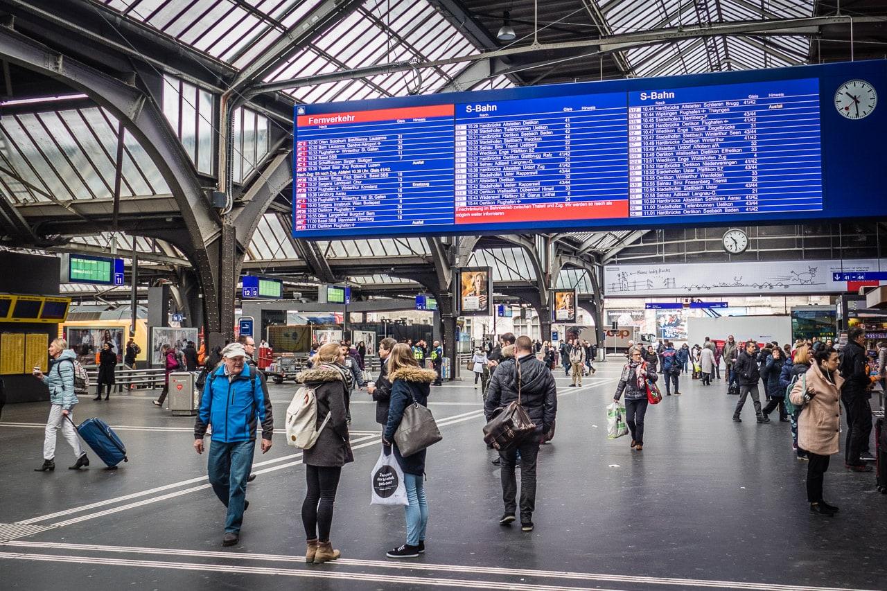 Fünf Wege nach Zürich mit dem Zug
