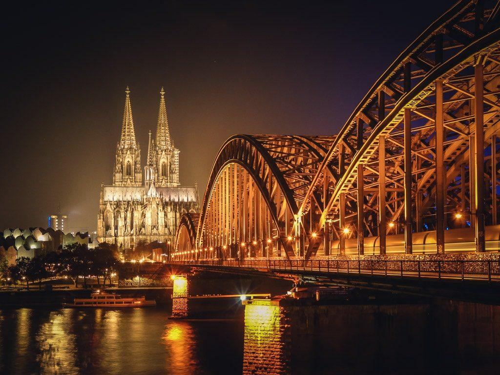 Köln Rhein Hohenzollernbrücke Dom Nacht