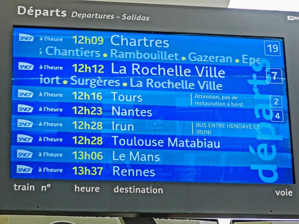 Paris Montparnasse Abfahrt Anzeige