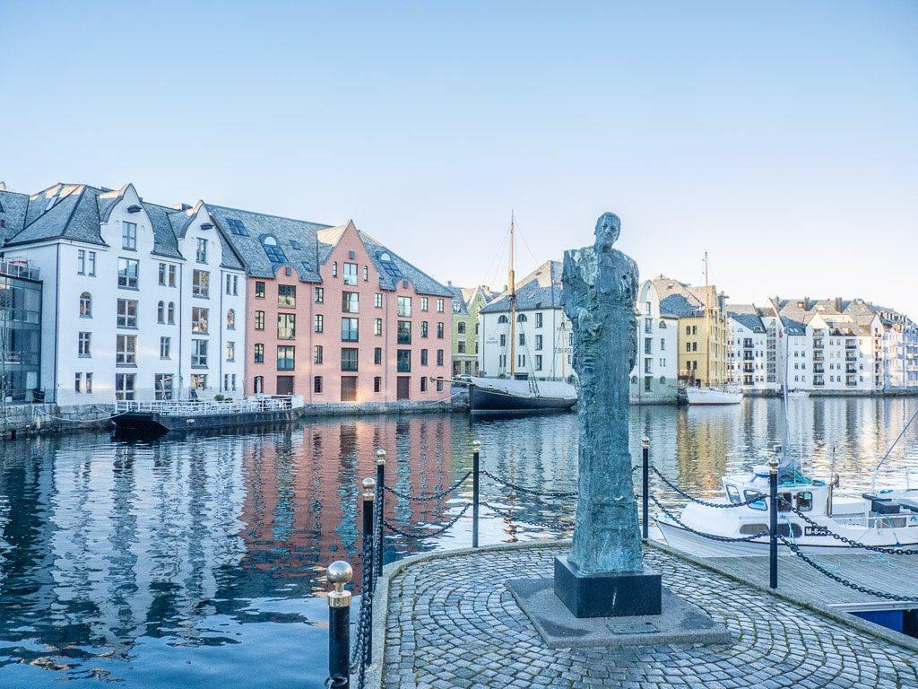 Ålesund Hafen Statue