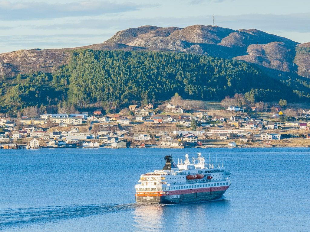 Ålesund Norwegen Schiff Hurtigruten
