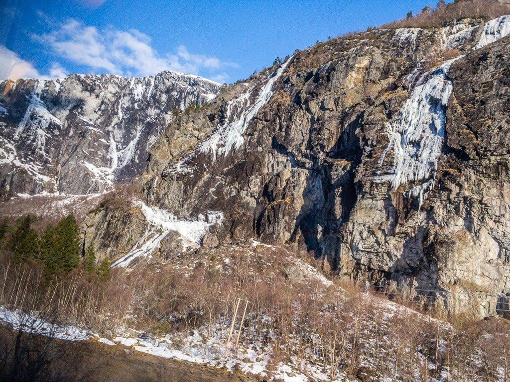 Raumabahn Raumabanen Norwegen Felsen Wasserfall