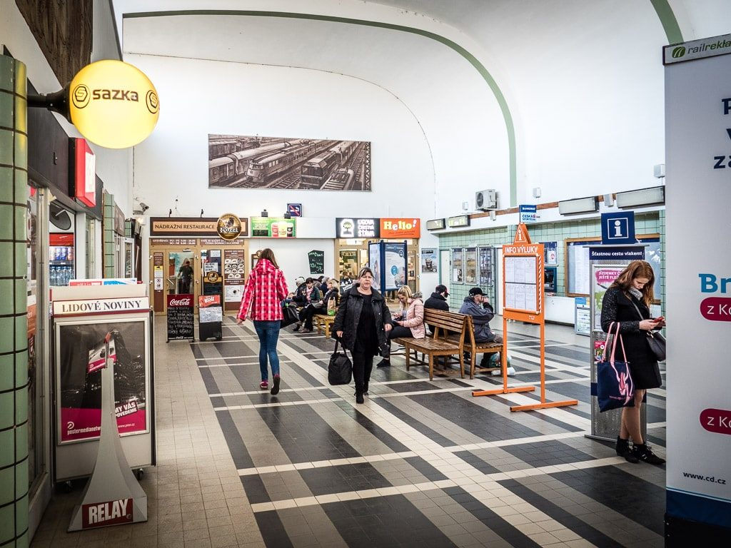 Kolín Bahnhof innen