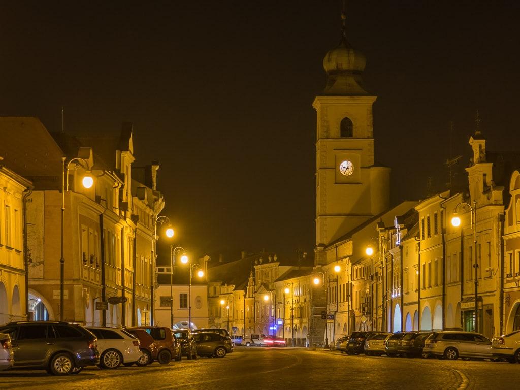Litomysl Marktplatz Rathaus Turm Nacht