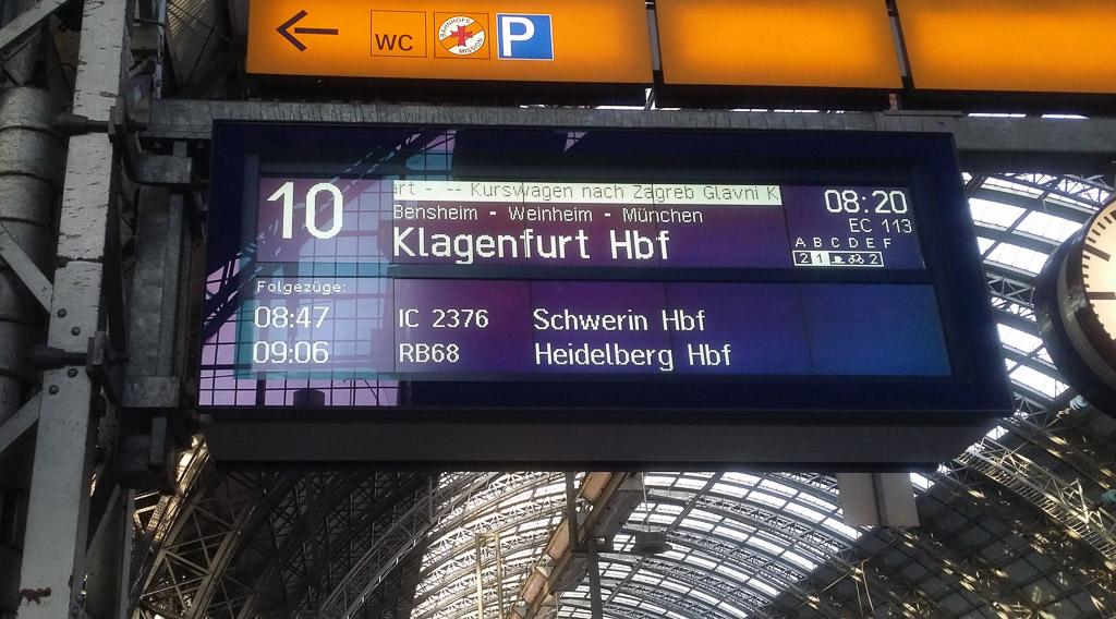 Frakfurt Hauptbahnhof Anzeige EC 113
