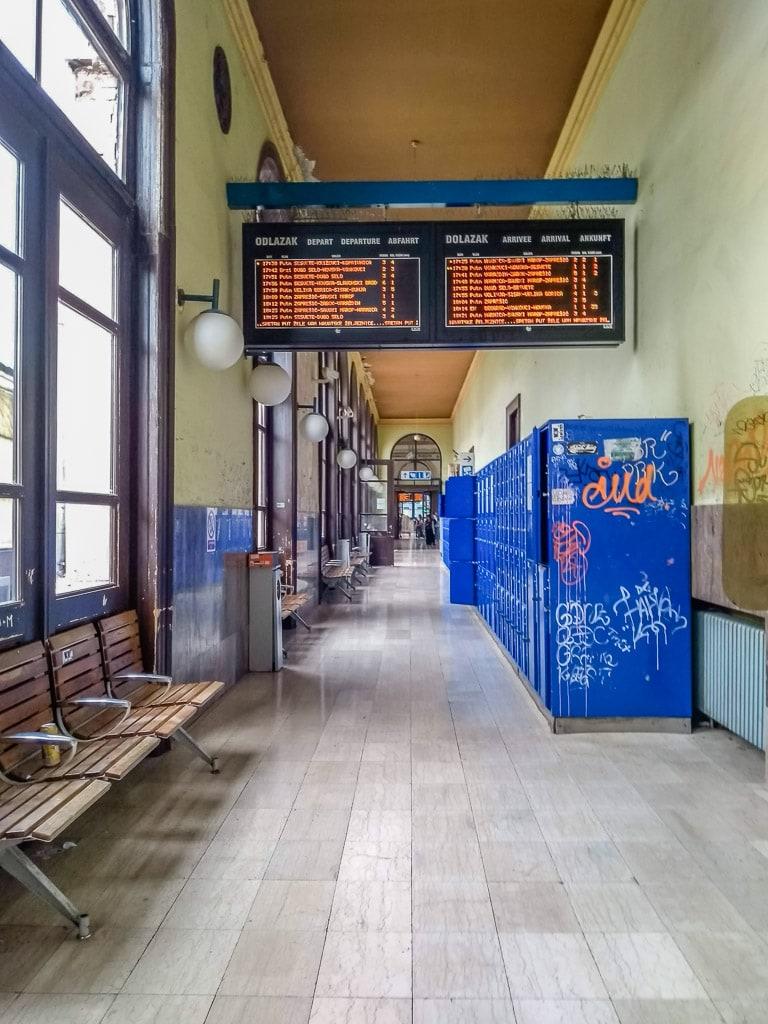 Zagreb Hauptbahnhof Schließfächer Abfahrtstafel
