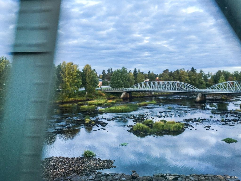 Nachtzug Lappland Brücke Fluss