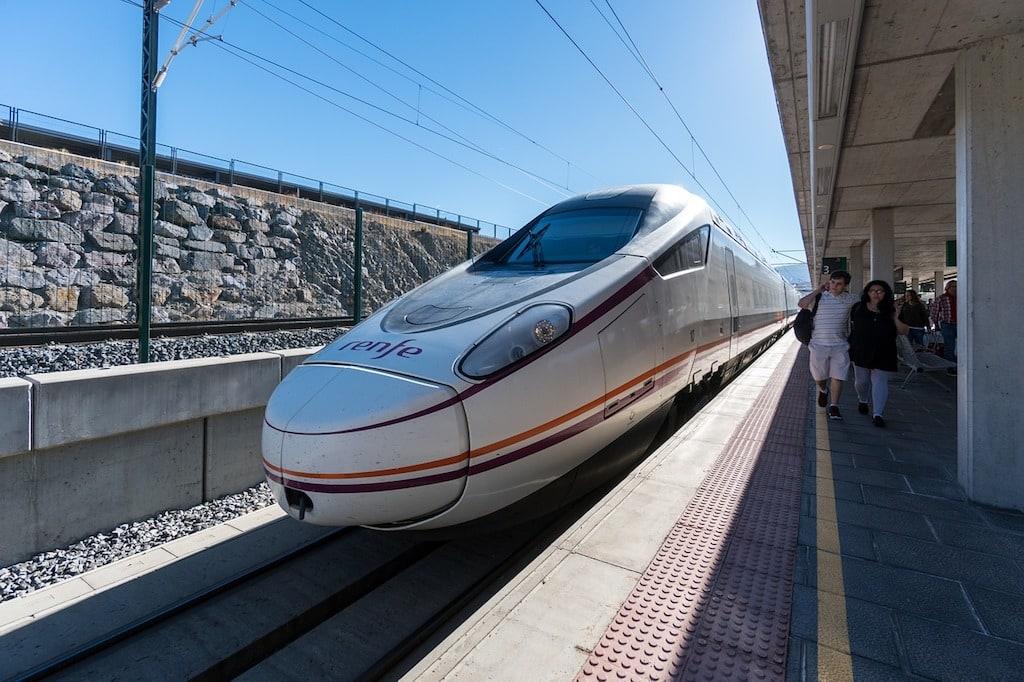 Spanien AVE Hochgeschwindigkeitszug Reservierung Interrail