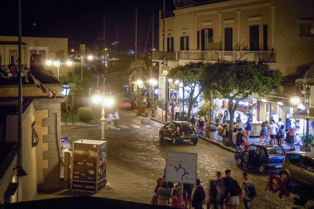 Ischia Porte Altstadt Gassen Sommer Abend Ausgehen