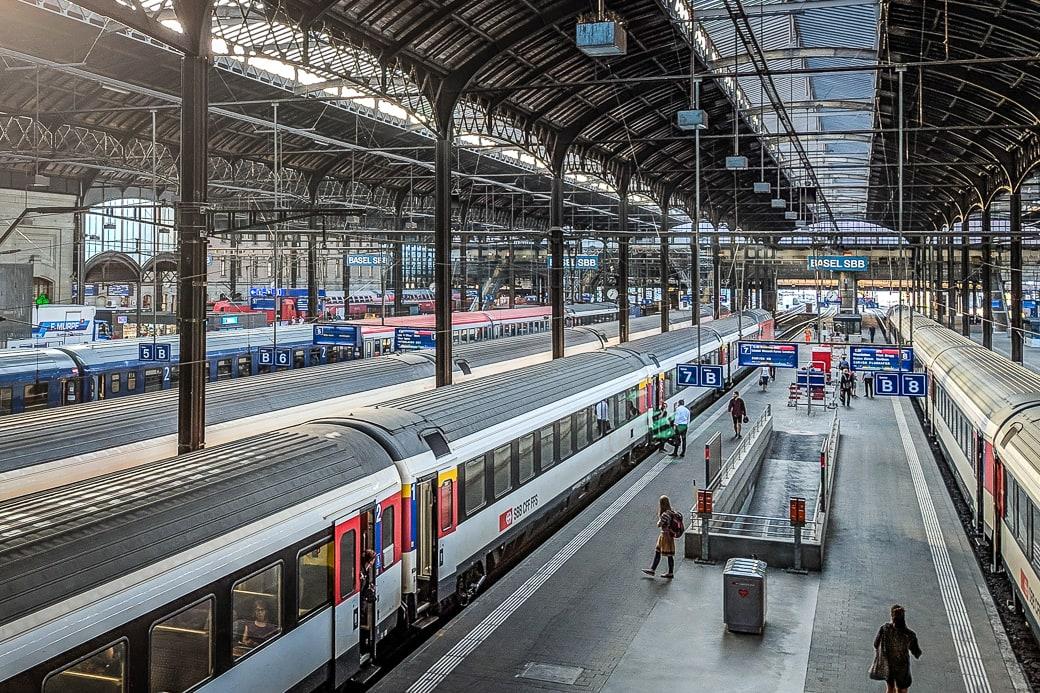 Basel SBB Bahnhofshalle