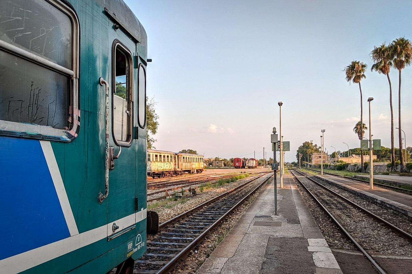 Mit dem Zug in den Salento Italien Apulien