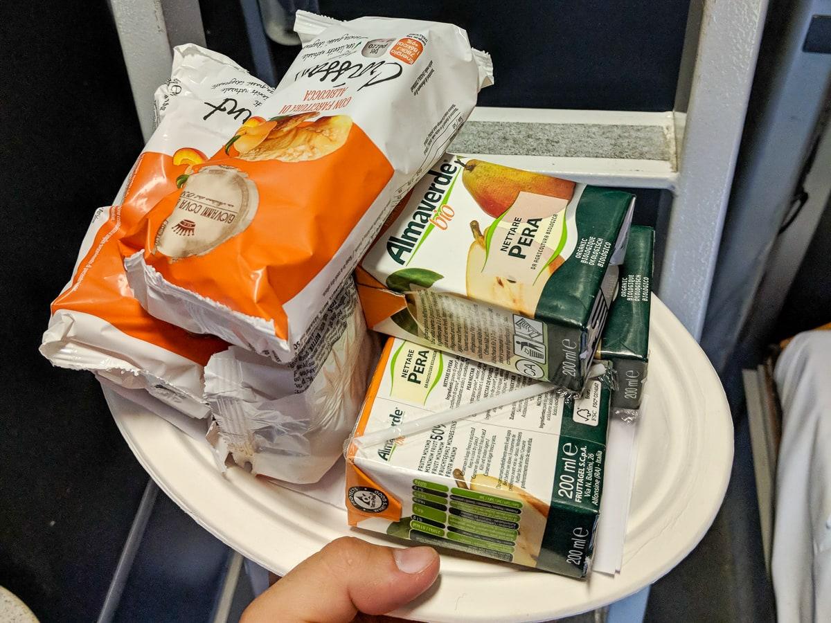 Intercity Notte Nachtzug Italien Liegewagen Frühstück