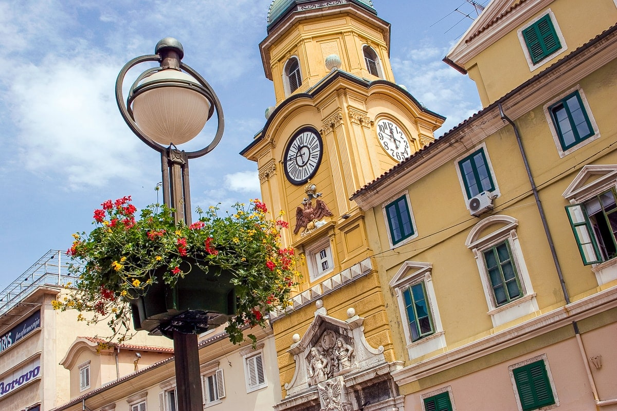 Die Einkaufstraße Flaniermeile Korzo in Rijeka, Kroatien