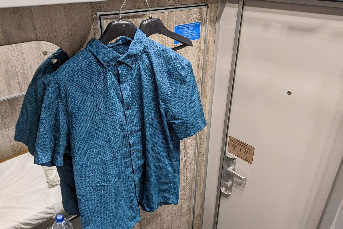 Intercity Notte Nachtzug Italien Schlafwagen Garderobe