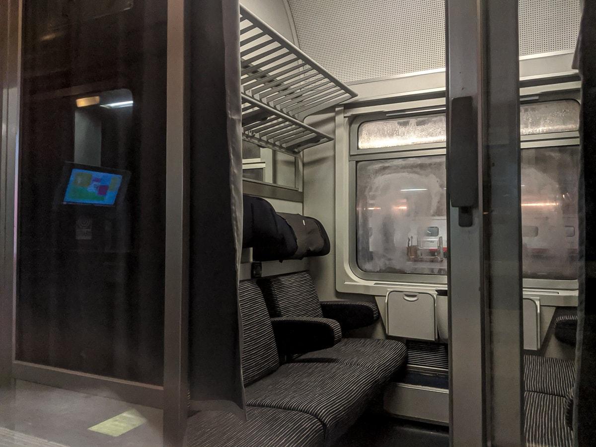 Sitzwagen Nachtzug Italien Abteil